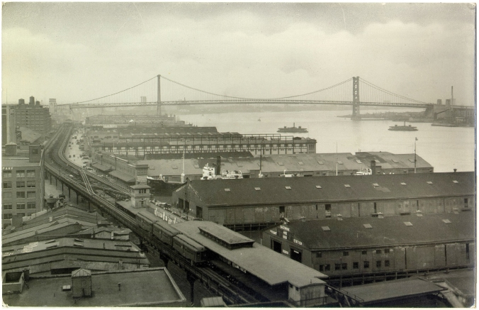 Delaware Avenue, with Delaware River and Benjamin Franklin Bridge in the background, early 20th century. Courtesy, kienantimberlake.org