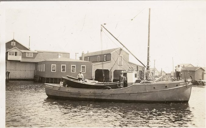 Courtesy, National Fisherman Collection, Penobscot Marine Museum, Searsport, ME.