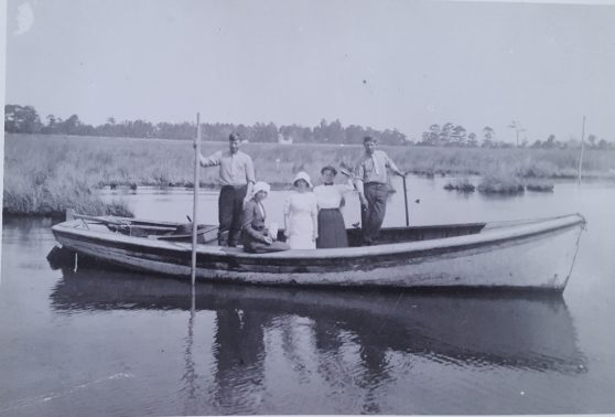 A very pretty Ken Mann-built shad boat. Courtesy, Earl Willis, Jr.