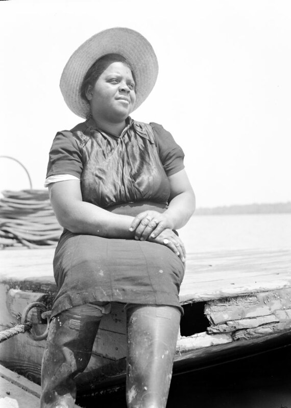 One of the workers at the Terrapin Point fishery, Merry Hill, N.C., 1941. Photo by Charles Farrell. Courtesy, State Archives of North Carolina