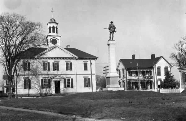 The 1767 Chowan County Courthouse and Confederate Monument, Edenton, N.C., undated. Courtesy, Wisconsin Historical Society