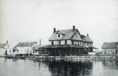 The Doxsee clam factory, Ocracoke, N.C., early 1900s. Courtesy, Phillip Howard's wonderful Village Craftsmen blog and the Doxsee family.